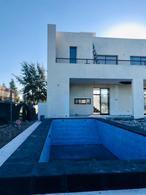 Foto Casa en Venta   Alquiler en  El Principado,  Countries/B.Cerrado (San Vicente)  El Principado con Fondo a la laguna