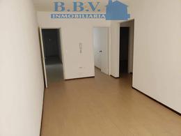 Foto Apartamento en Alquiler en  Colonia del Sacramento ,  Colonia  Apartamentos en el centro de 1 y 2 dorm. a metros de Gral.Flores
