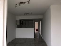 Foto Departamento en Venta en  Banfield,  Lomas De Zamora  Av. Alsina al 137