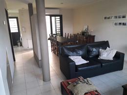Foto Casa en Venta en  Tolosa,  La Plata  8 E/ 524 Y 525 TOLOSA