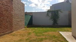 Foto Casa en Alquiler | Alquiler temporario en  Claros del Bosque,  Countries/B.Cerrado  Alquiler Amoblado! Claros del Bosque - 2 dorm, 2 bños, Patio, coch- Pileta Gym, Tenis, Seg 24 Hs!