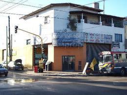 Foto PH en Venta en  Turdera,  Lomas De Zamora  Av. Hipólito Yrigoyen  11500