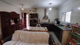 Foto Casa en Venta en  La Capital ,  Santa Fe  Castelli 1400