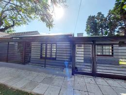 Foto Casa en Venta en  Adrogue,  Almirante Brown  DE KAY nº 839, cortada de Nother