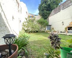 Foto Casa en Venta en  Flores ,  Capital Federal  Laguna al 300