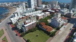 Foto Terreno en Venta en  Península,  Punta del Este  Lote en Peninsula para Edificio