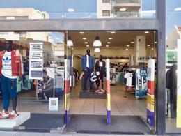Foto Local en Alquiler en  Liniers ,  Capital Federal  Av. Rivadavia al 11000