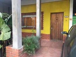 Foto PH en Venta en Chivilcoy al 1500, Moron | Castelar | Castelar Norte