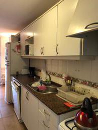 Foto Departamento en Alquiler en  Punta Carretas ,  Montevideo  3 dormitorios y servicio completo, garaje para un auto. Se alquila con muebles