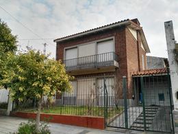 Foto Casa en Venta en  Centro (Campana),  Campana  Colon