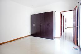 Foto Departamento en Venta en  Pozos,  Santa Ana  Santa Ana Centro / Balcón / Moderno / Iluminado / Rentable