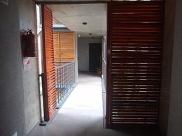 Foto Departamento en Venta en  Moron ,  G.B.A. Zona Oeste  Sucre