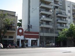 Foto Local en Venta en  Colegiales ,  Capital Federal  Alvarez thomas al 700