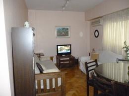Foto Departamento en Alquiler temporario en  Recoleta ,  Capital Federal  Aguero al 1700 entre Arenales y Beruti