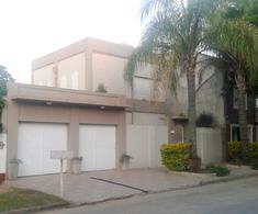 Foto Casa en Venta en  Colon,  Colon  Balcarce casi Chacabuco