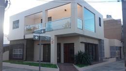 Foto thumbnail Casa en Venta en  B.Ayerza,  Castelar  Montes de Oca al 2800
