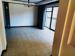 Foto Casa en condominio en Renta en  Pozos,  Santa Ana  Santa Ana / 2 habitaciones / 2 parqueos / a 7 min de Forum II / Pet Friendly