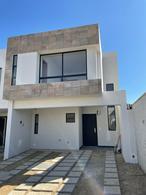Foto Casa en Renta en  Fraccionamiento Lomas de  Angelópolis,  San Andrés Cholula  Renta Casa Nueva  $12,000 al mes  con mantenimiento y persianas en La Rayana Residencial, Lomas