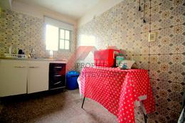 Foto Casa en Venta en  Villa Española ,  Montevideo  Tomas Claramaunt al 3800