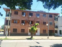 Foto PH en Venta en  La Plata,  La Plata  P.H. con cochera-64 esquina 24