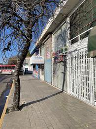 Foto Local en Venta en  Cordoba Capital ,  Cordoba  Local Comercial Y Departamento Bv. Peron 76 - Cordoba