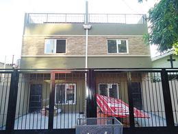 Foto Casa en Venta en  Olivos-Maipu/Uzal,  Olivos  Pje. Hungría al 4200
