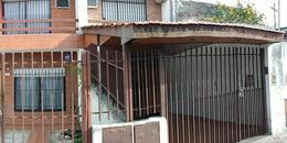 Foto PH en Venta en  Caseros,  Tres De Febrero  Rauch 1847