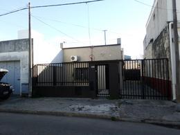 Foto Casa en Venta en  Rosario,  Rosario  URIBURU  ENTRE  CORRIENTES y ENTRE RIOS