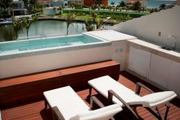 Foto Departamento en Venta en  Zona Hotelera,  Cancún  Penthouse venta lujo 3 recamaras vista a la laguna en Isla Dorada, Cancún zona hotelera
