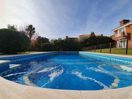 Foto Casa en Venta | Alquiler en  Carrasco ,  Montevideo  Carrasco