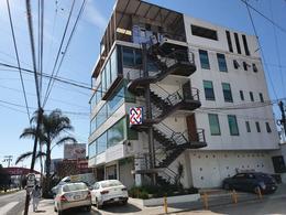Foto Edificio Comercial en Renta en  Toluca ,  Edo. de México  RENTA ESPACIO PARA OFICINAS EN EDIFICIO CON MUY BUENA UBICACION
