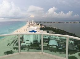 Foto Departamento en Venta en  Zona Hotelera,  Cancún  PH. en venta Bay View Grand vista panorámica Zona Hotelera Cancún