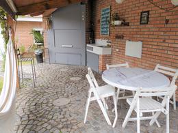 Foto Casa en Venta en  La Lucila-Vias/Maipu,  La Lucila  Díaz Vélez al 1300
