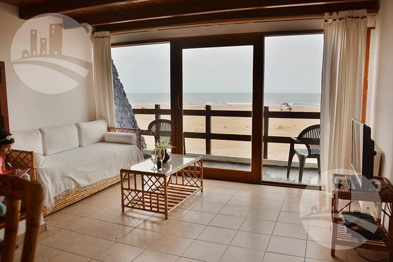 Foto Hotel en Venta en  Las Gaviotas,  Mar Azul  Apart 17 hab. mas Restaurante