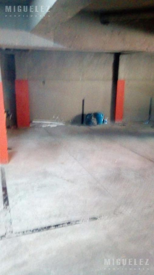 Foto Cochera en Alquiler en  Banfield,  Lomas De Zamora  COCHERA Nro 8, RINCON 555