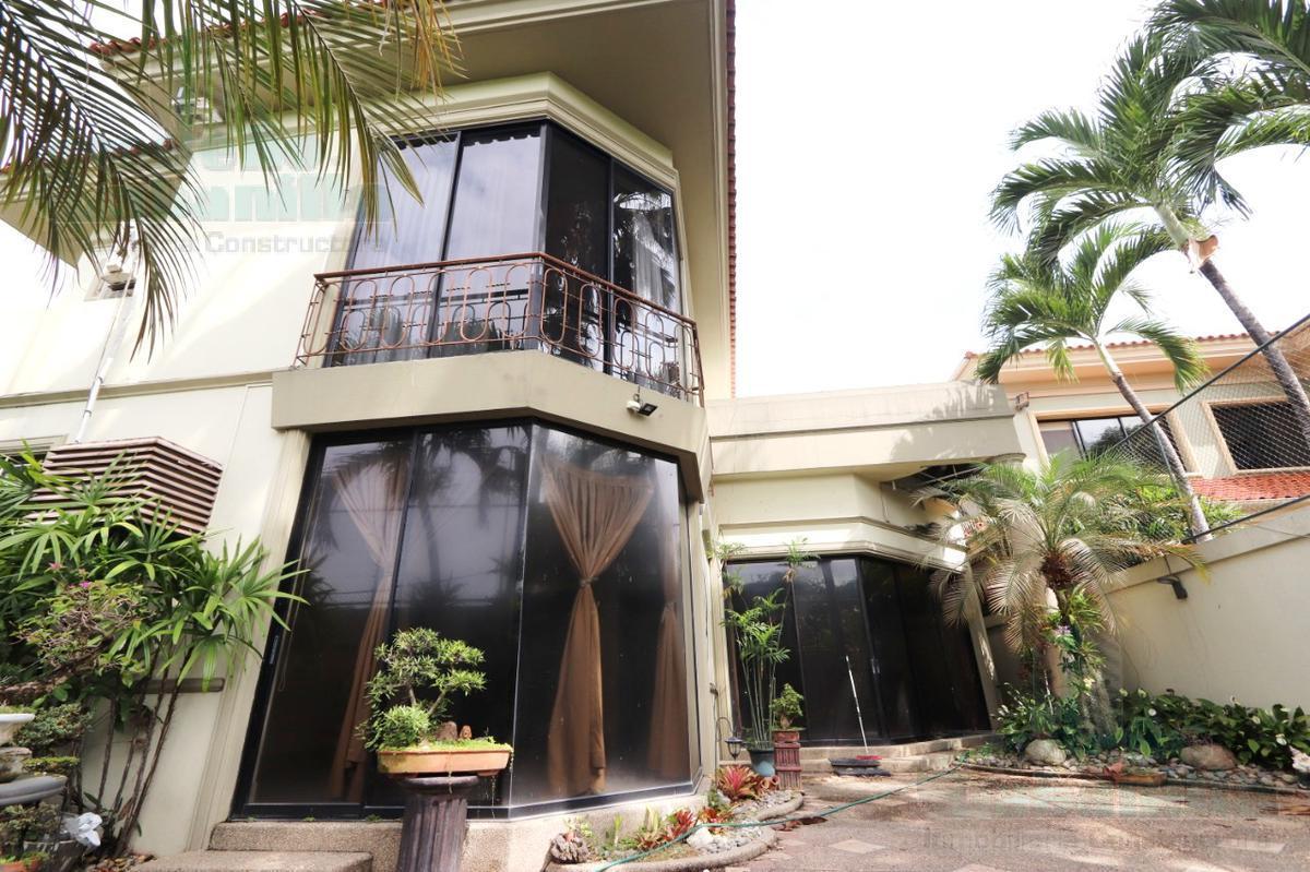 Foto Casa en Venta en  Samborondón,  Guayaquil  VENTA DE HERMOSA VILLA SAMBORONDON