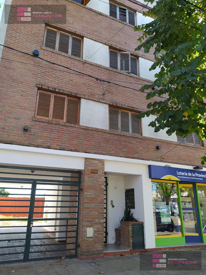 Foto Departamento en Alquiler en  La Plata,  La Plata  60 30 y 31