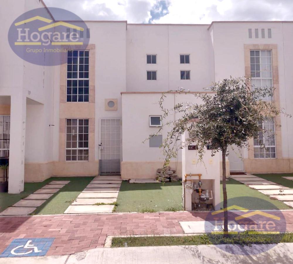 Casa en Renta, frente a área infantil dentro de la Privada El Dorado en León, Gto.