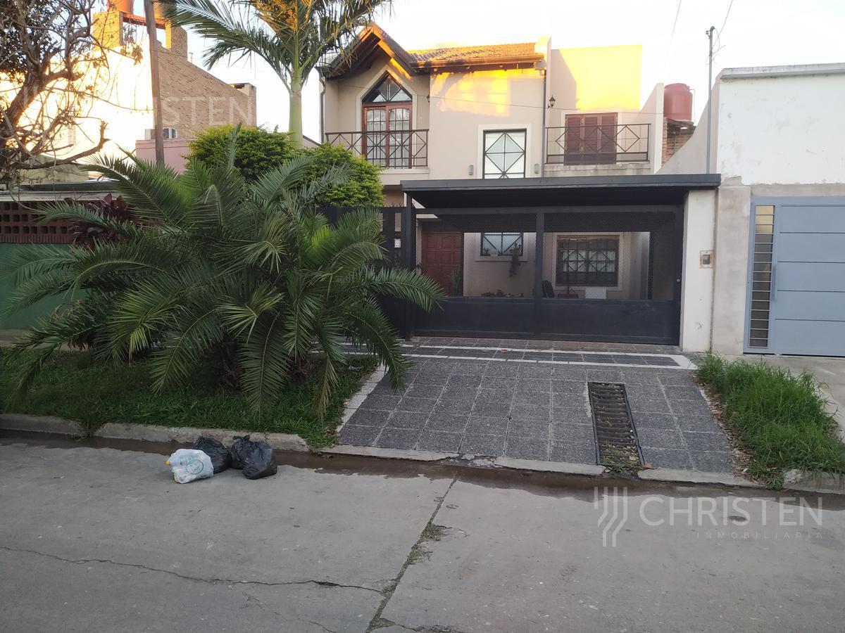 Foto Casa en Venta en  La Capital ,  Santa Fe  Urquiza al 4400