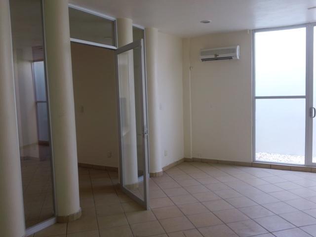 Foto Oficina en Renta en  Fraccionamiento Paraíso Coatzacoalcos,  Coatzacoalcos  JOSE LUIS CUEVAS #304 ESQ. JOSE CLEMENTE OROZCO