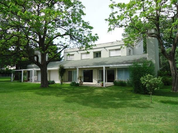 Mieres Propiedades - Casa de 400 mts. en Highland Park