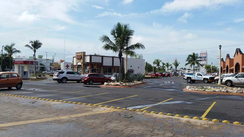 Foto Local en Renta en  Boca del Río Centro,  Boca del Río  LOCAL EN RENTA PLAZA RÍO