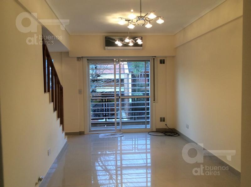 Foto PH en Venta en  Liniers ,  Capital Federal  Pola al 400
