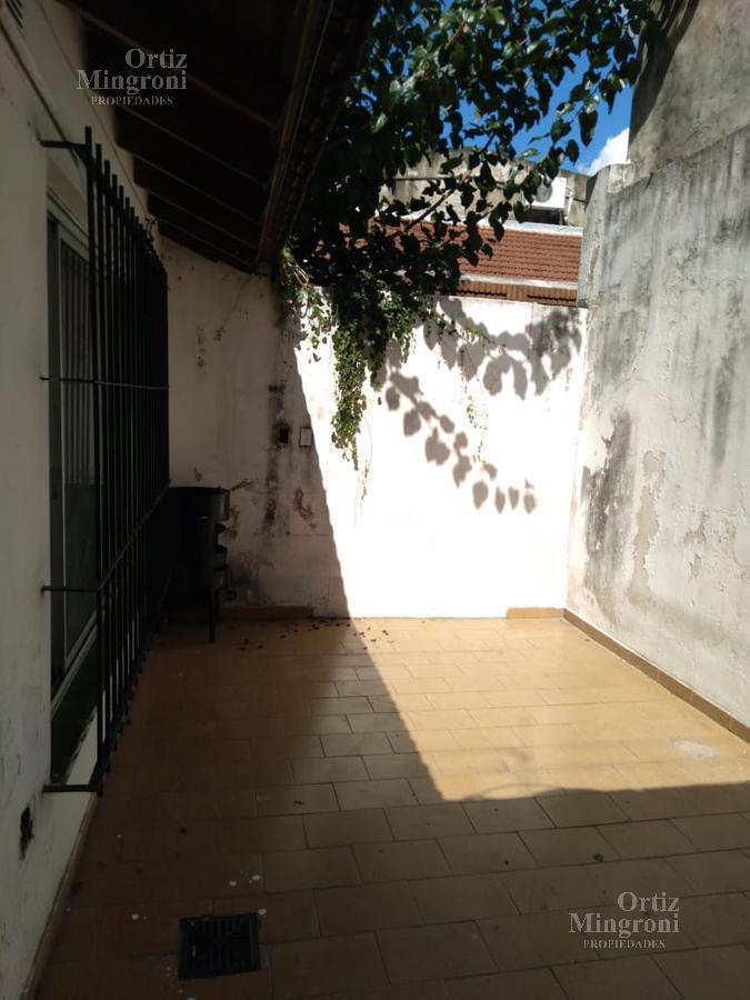 Foto PH en Alquiler en  Lomas de Zamora Oeste,  Lomas De Zamora  Piaggio 38