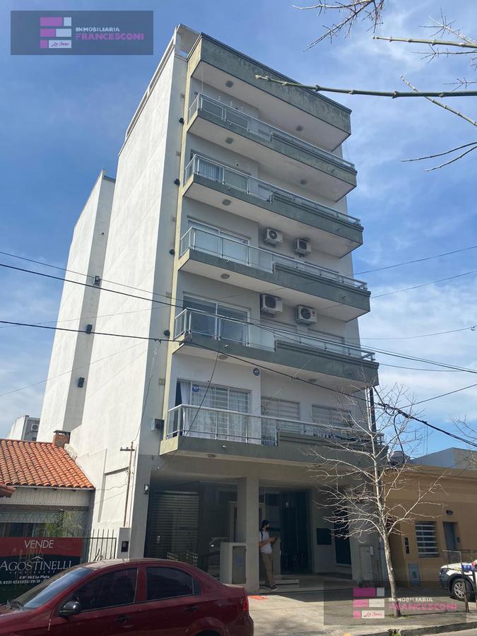 Foto Departamento en Venta en  La Plata ,  G.B.A. Zona Sur  11 32 y 33