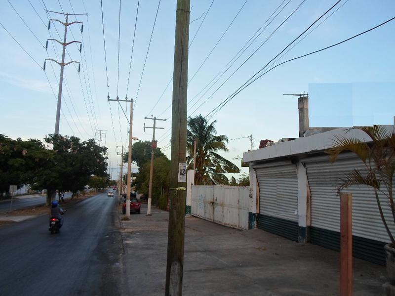 Foto Local en Venta en  Supermanzana 76,  Cancún  Se Vende Local en Cancun Av 20 de Noviembre Casi Esq Av Bonampak