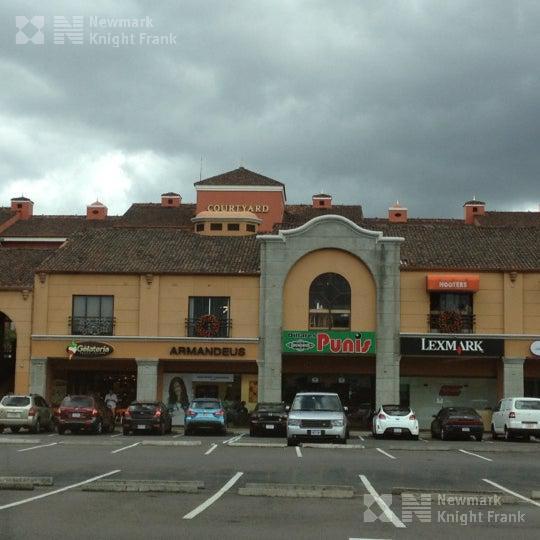Foto Local en Renta en  Escazu ,  San José  Local comercial disponible para alquiler
