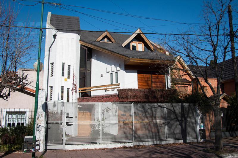 Foto Casa en Venta en  Lomas de Zamora Oeste,  Lomas De Zamora  Garibaldi al 200