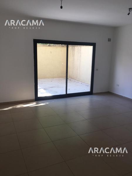 Foto Departamento en Alquiler en  Ezeiza ,  G.B.A. Zona Sur  San Juan al 500