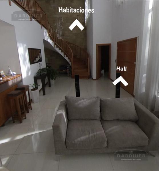 Foto Casa en Venta en  Adrogue,  Almirante Brown  SEGUI 458